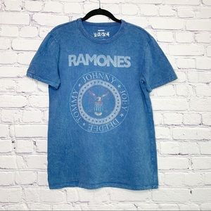Ramones | Distressed Graphic Band Tee | S
